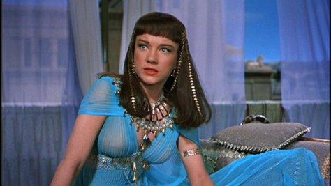 Anne Baxter as Nefretiri