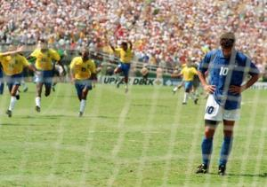 Roberto Baggio's missed penalty kick (soccerplusnet.blogspot.com)