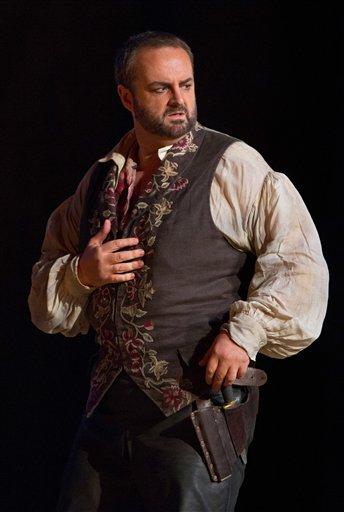 Marco Berti as Manrico (bigstory-ap-org)