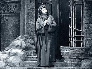 Leontyne Price as Leonora (www.vpr.net)