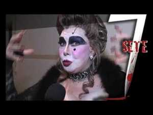 Rogeria as Dona Odette in 7 - The Musical (youtube.com)