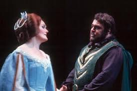 Joan Sutherland & Luciano Pavarotti (images.com)