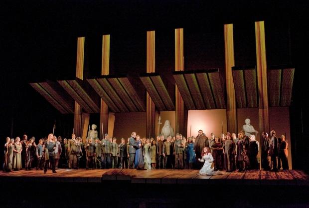 Scene from Act 2 of Goetterdaemmerung (Ken Howard / Met Opera)
