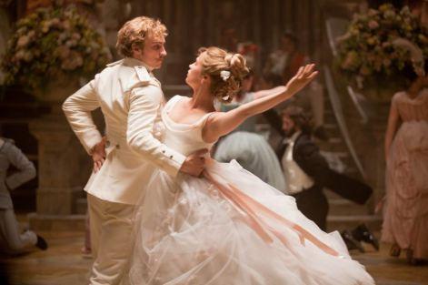 Vronsky & Kitty (Alicia Vikander) tapuz.co.il