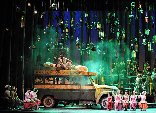 """My Bus and I"" from Magdalena (Teatro Municipal, Sao Paulo)"