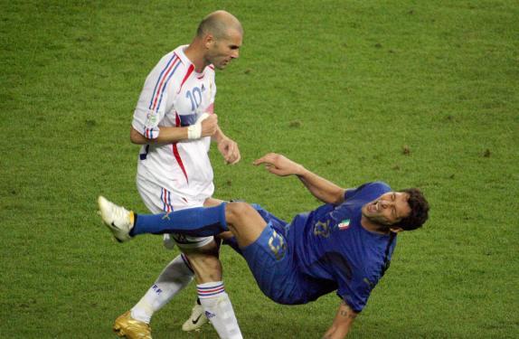 Zidane & Materazzi (www2.macleans.ca)