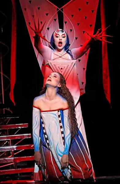 Pamina & the Queen of the Night (Photo: Jeff Busby)