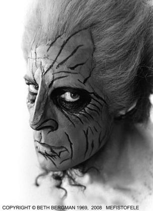 Norman Treigle as Mefisto (Photo: Beth Bergman, 1969, 2008)