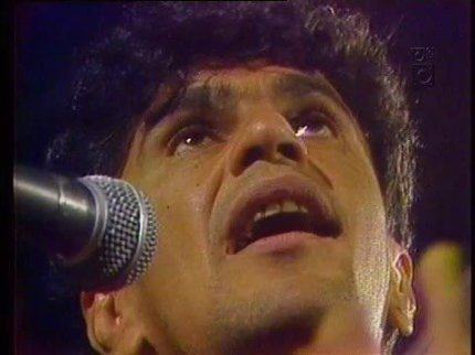 "Caetano Veloso singing ""Sampa"""