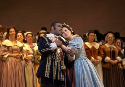 Lawrence Brownlee & Olga Peretyatko in I Puritani (Photo: Ken Howard / Met Opera)