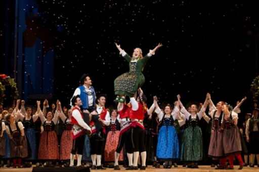 Diana Damrau (center) and Javier Camarena (left) in La Sonnambula (Photo: Jonathan Tichler / Met Opera)