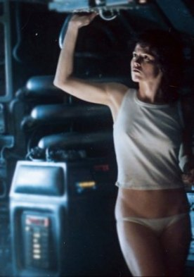 Ripley (Sigourney Weaver) in panties