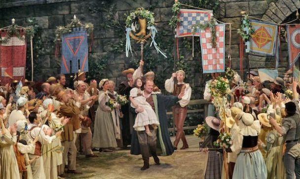 Michael Volle as Hans Sachs in Die Meistersinger (Ken Howard / Met Opera)