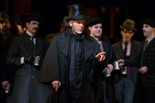 Thomas Hampson as Councilor Lindorf in the Prologue