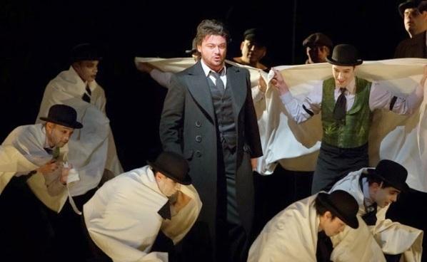Vittorio Grigolo as Hoffmann (Marty Sohl / Met Opera)