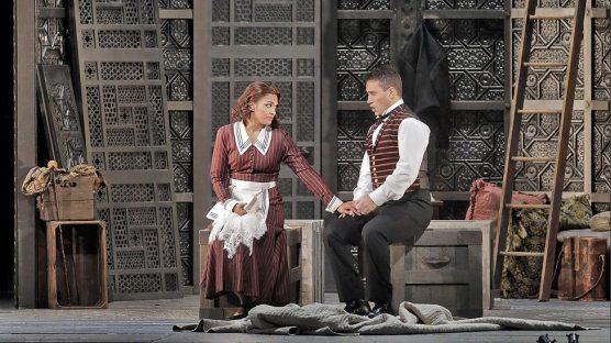 Danielle De Niese & Erwin Schrott in Act I of Figaro