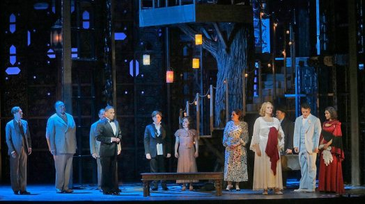 Mariusz Kwiecien (the Count) asks for pardon in finale to Figaro