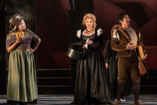 Donna Elvira (Hailey Clark) hears about Giovanni's conquest from Leporello (Adam Lau)