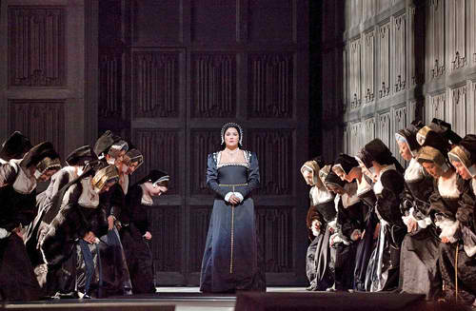 Anna Netrebko in the Met's Anna Bolena