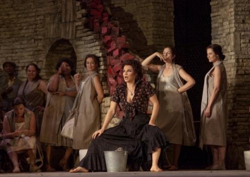 Garanca as Carmen in Act I