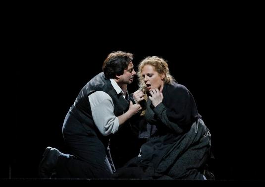 Turiddu (Marcelo Alvarez) & Santuzza (Eva-Maria Westbroek) in Cavalleria