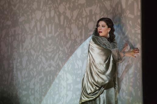 Sondra Radvanovsky as Amelia (Ken Howard/Met Opera)