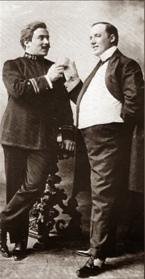 Pinkerton (Giovanni Zenatello) & Sharpless (Giuseppe de Luca) in Act I of Madama Butterfly