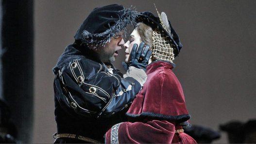 Henry VIII (Ildar Abdrazakov) & Anne Boleyn (Sondra Radvanovsky)