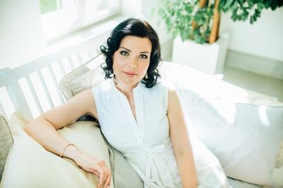Zanda Svede as Olga