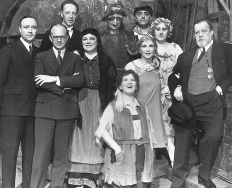Christmas Day cast of Hansel and Gretel, 1931 (operanews.com)