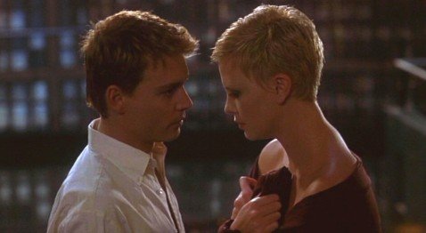Depp & Theron in The Astronaut's Wife (and matching hairdos)