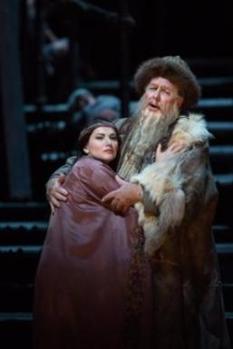 Hibla Germava as Liu, James Morris as Timur in Turandot (Photo: Marty Sohl/Met Opera)
