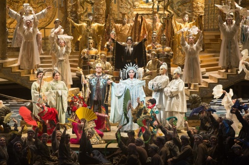 Marco Berti as Calaf & Nina Stemme as Turandot in the Finale to Act III (Met Opera)
