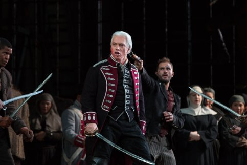 Di Luna (Hvorostovsky) under duress in Act II of Trovatore