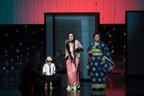 Bunraku puppet Trouble, Cio-Cio-San (Kristine Opolais) & Suzuki (Maria Zifchak) in Act II of Madama Butterfly