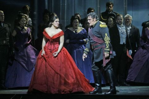 Hibla Gerzmova as Desdemona, Aleksandrs Antonenko as Otello, in Act III (Photo: Ken Howard / Met Opera)