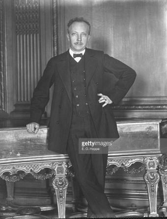 Richard Strauss (ca. 1910) posing for photographer E.O. Hoppe (Photo courtesy Getty Images)