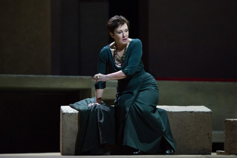 Waltraud Meier as Klytämnestra in Richard Strauss's Elektra. Photo by Marty Sohl/Metropolitan Opera.